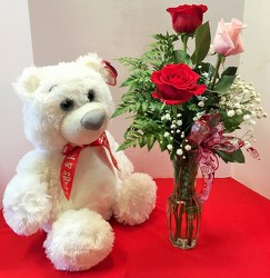 Large white bear with roses lrg-beararrg01 from Krupp Florist, your local Belleville flower shop